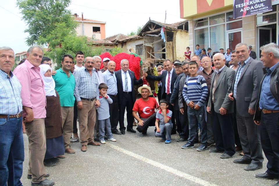 CHP AŞDAĞUL'DA DEVE KESTİ