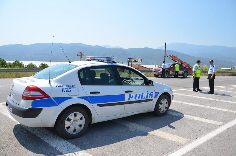 POLİS SÜRÜCÜLERİ TEK TEK UYARDI