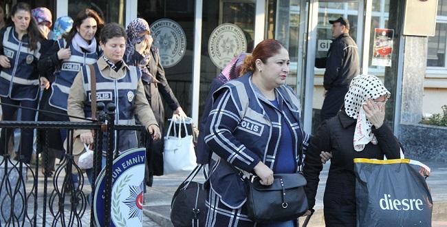 KREDİ ÇEKİP BANK ASYA'YA YATIRMIŞLAR!