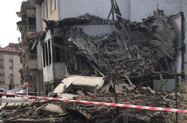 metruk bina çöktü çorum (1)
