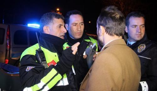 ALKOLLÜ SÜRÜCÜ POLİSTEN KAÇAMADI