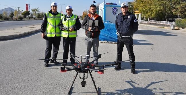 ÇORUM'DA DRONE'LU TRAFİK UYGULAMASI