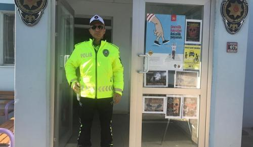 TRAFİK POLİSLERİ YENİ KIYAFETLERİNİ GİYDİ