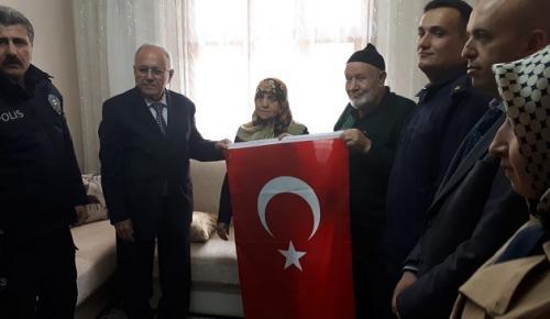 KAYMAKAM'DAN ŞEHİT AİLESİNE ZİYARET