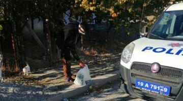 POLİS EKİPLERİ ONLARIN YANINDA
